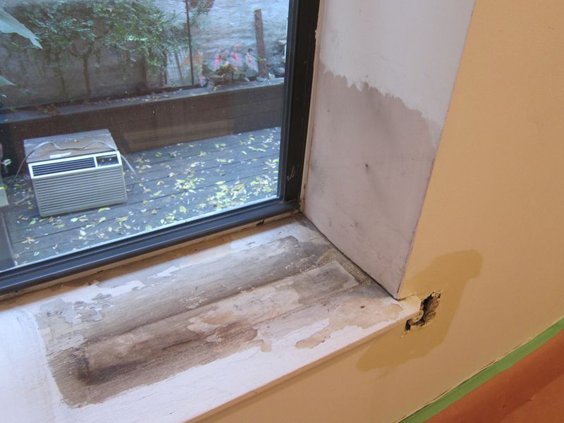 02_crappy window sill