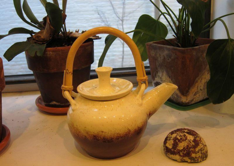 Karabouts teapot 04